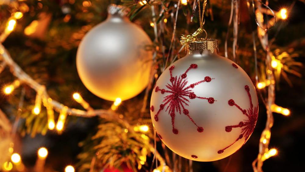 Un Albero Per Tutti Si Accendono Le Luci Del Natale Eventi A Avellino